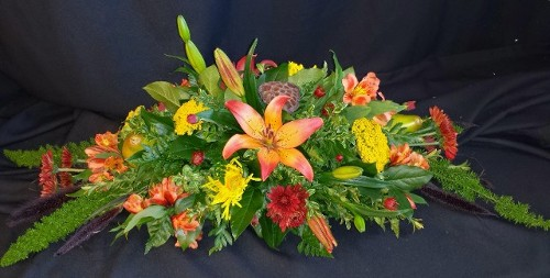 Autumn centerpiece royal lilies and pears