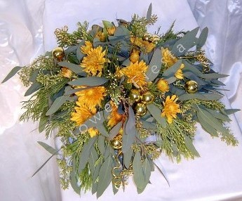 Swag Autumn centerpiece with gold accents