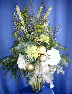 Christmas gold and creamy tuberoses
