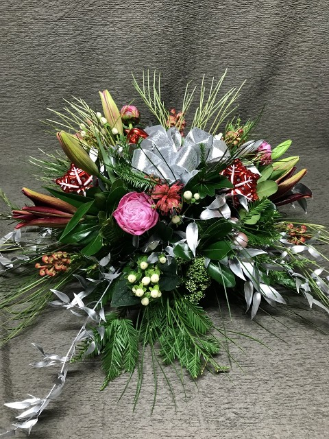 christmas bird centerpiece with silver foliage